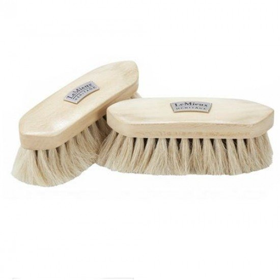 Щетка натуральная LeMieux Heritage Soft Finishing Brush